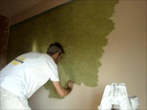 Tierras florentinas verde oliva sobre fondo beige