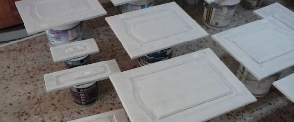 Lacado de puertas de cocina en blanco