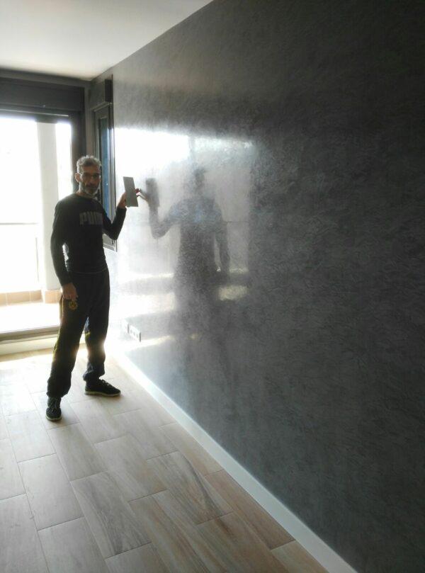 Pintores en El Cañaveral – Aplicar Estuco Mitiko con Cera – Carlos