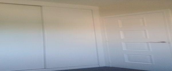 Lacado de armario en blanco