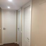 Esmalte Valacryl color Marron en entrada y pasillo