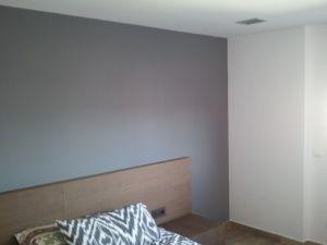 Esmalte al agua coor gris en habitacion de Guadalajara (1)