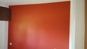 Esmalte al agua color teja en dormitorio 1
