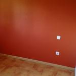 Esmalte al agua color teja en dormitorio 4