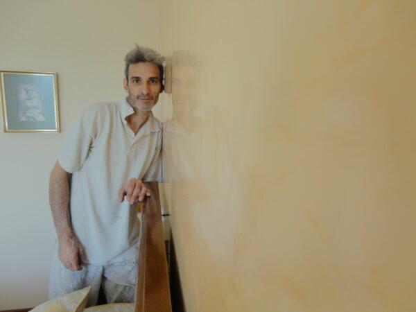 Pintores en Moratalaz – Aplicar Estuco Mitiko con Cera – Juan