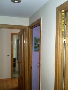 Esmalte color marron grisacio en pasillo de Vicalvaro 6