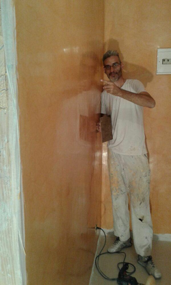 Pintores en Valdemoro – Aplicar Estuco Mitiko con Cera – Luis