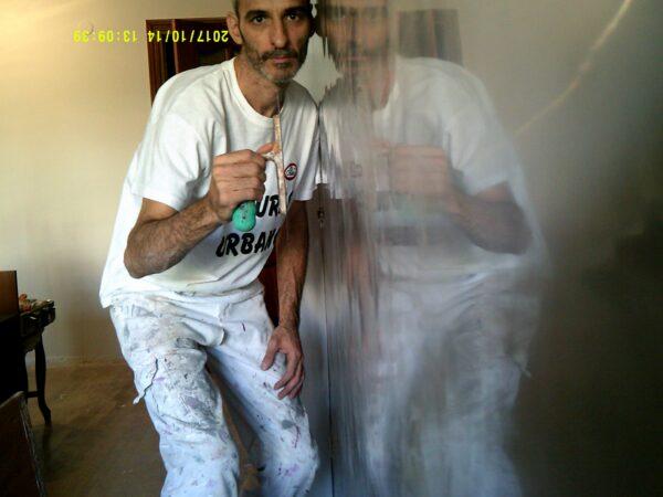 Pintores en Leganes – Aplicar Estuco Mitiko Color Gris Claro con Cera – Mª Jose
