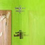 Reflejos sobre estuco veneciano verde paredes wc (11)