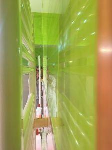 Reflejos sobre estuco veneciano verde paredes wc (12)