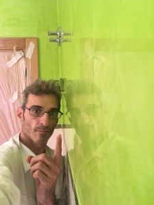 Reflejos sobre estuco veneciano verde paredes wc (5)