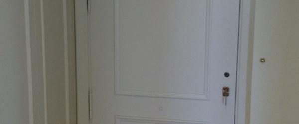 Lacado de puertas Ral 1013 en Barrio de las Mercedes (1)