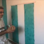 Aplicando 1ª mano de cera alex sobre estuco turquesa